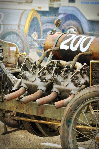 vintage-car-engine-photo-fb7-6rhk.jpg